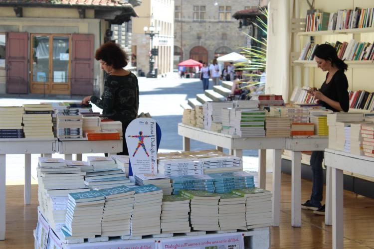 Libreria - foto dialoghisulluomo.it