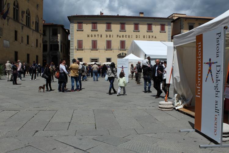 Piazza Duomo - foto dialoghisulluomo.it