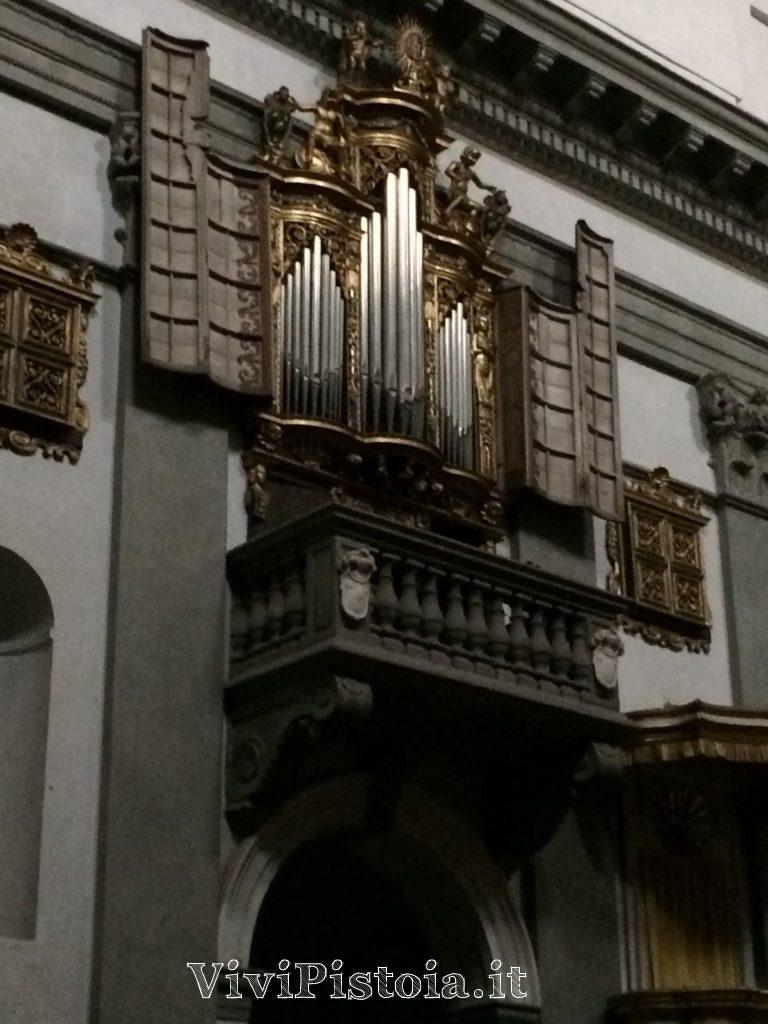 Interno chiesa Spirito Santo