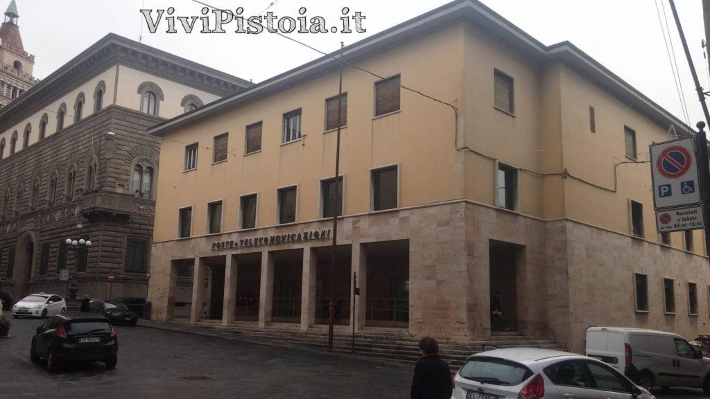 Palazzo delle poste da via Cavour