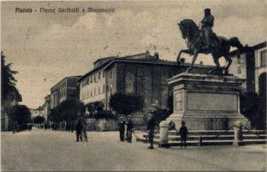 Piazza Garibaldi negli anni '30