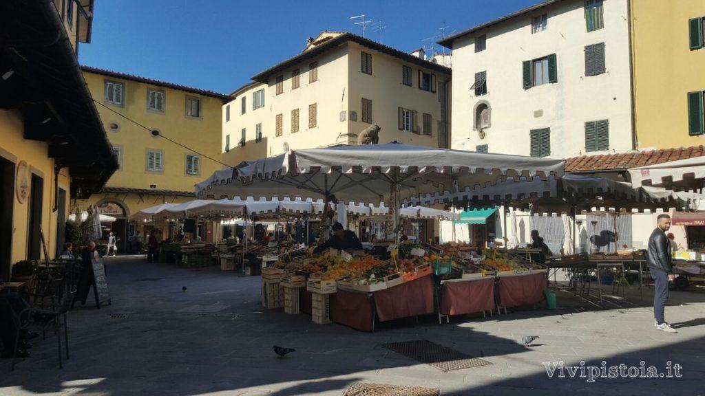 Piazza della Sala - Mercato