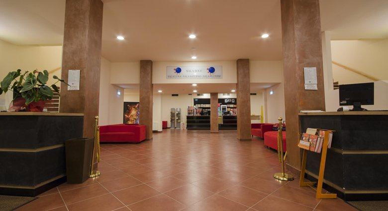 Interno Cinema Lux Pistoia