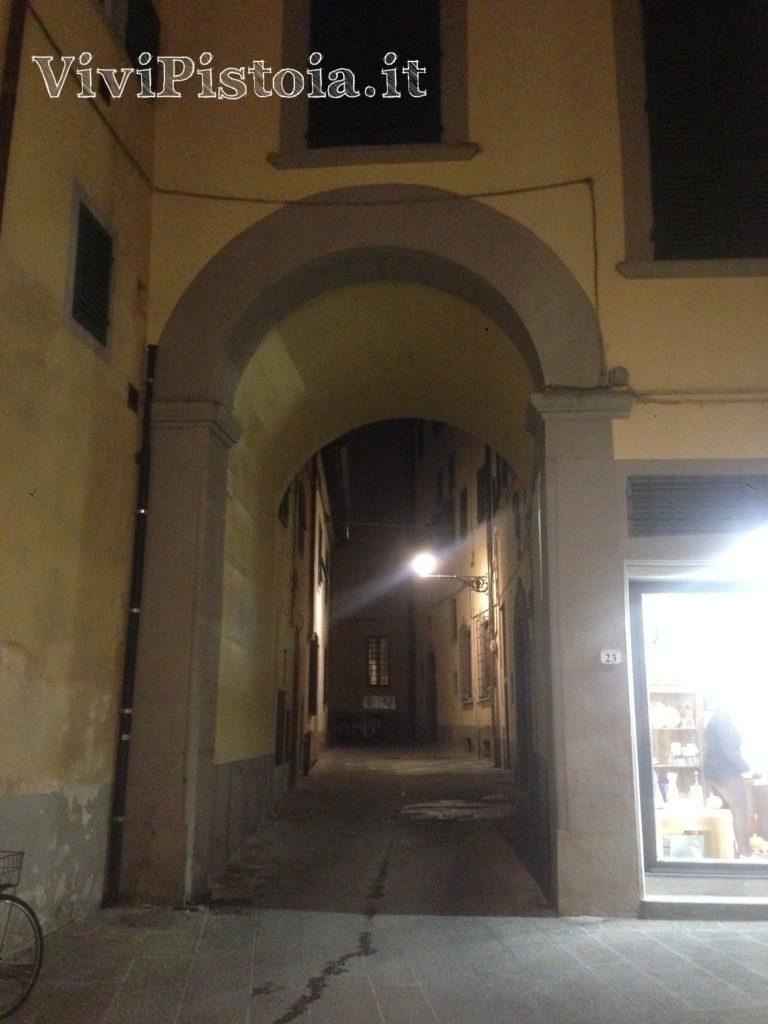 Accesso a Piazzetta Romana Pistoia