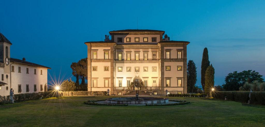 Veduta notturna della Villa Rospigliosi
