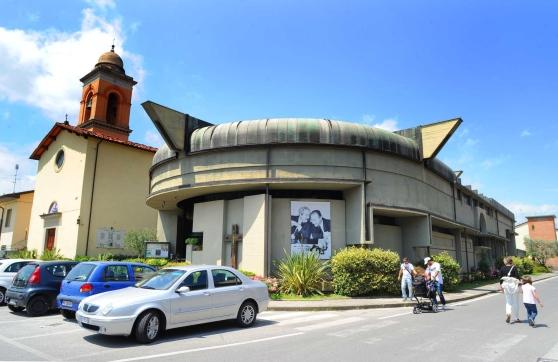 facciata laterale chiesa