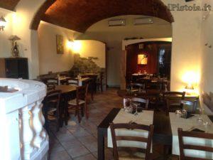 interno della pizzeria ristorantinoLuna Rossa