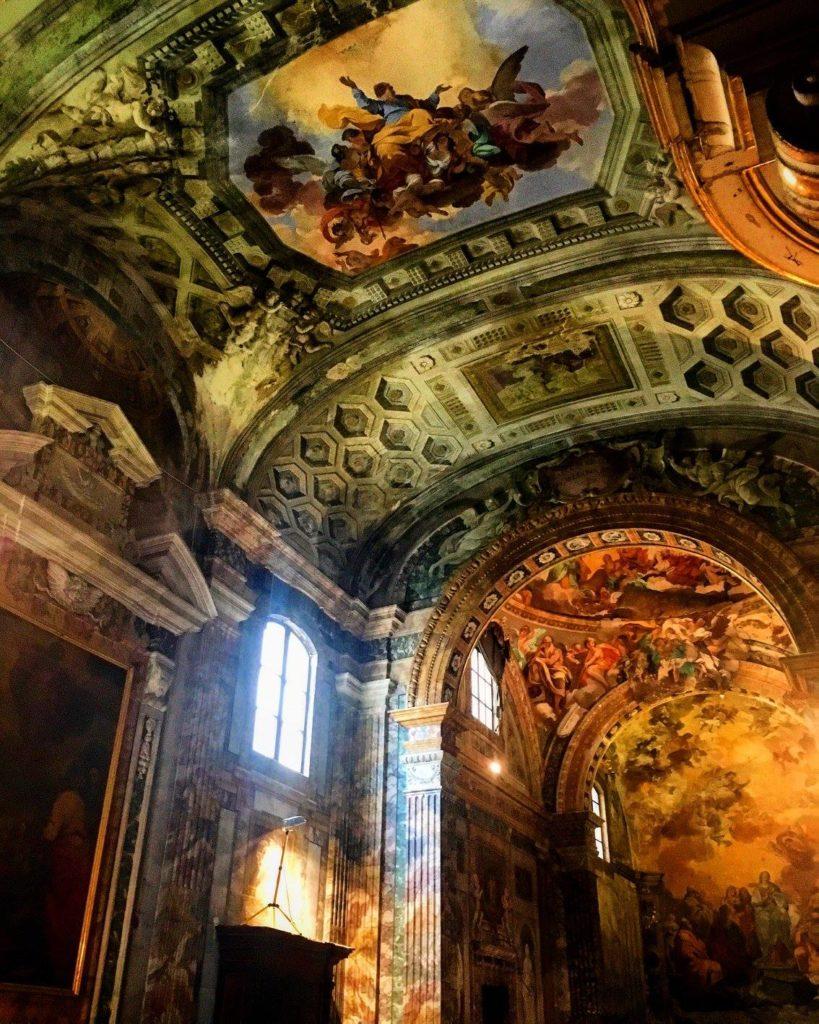 Interni chiesa San Leone