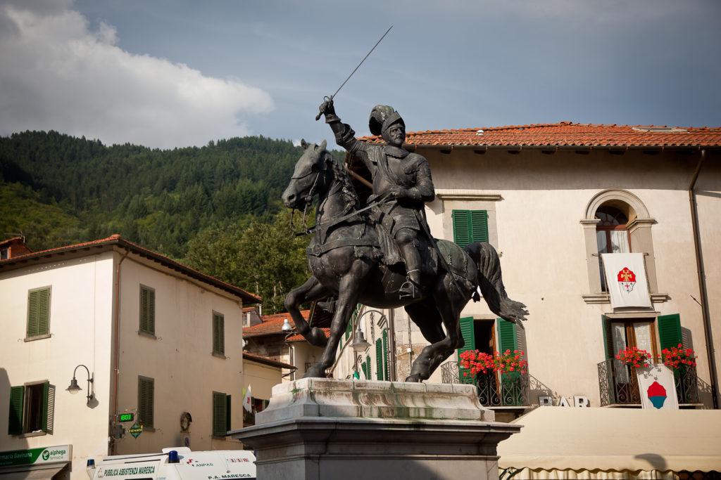Statua di Francesco Ferrucci