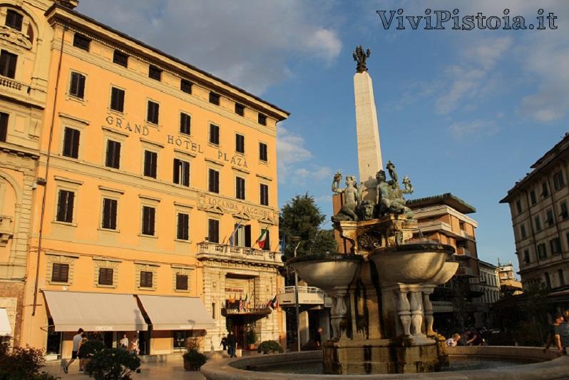 Fontana, Piazza del Popolo